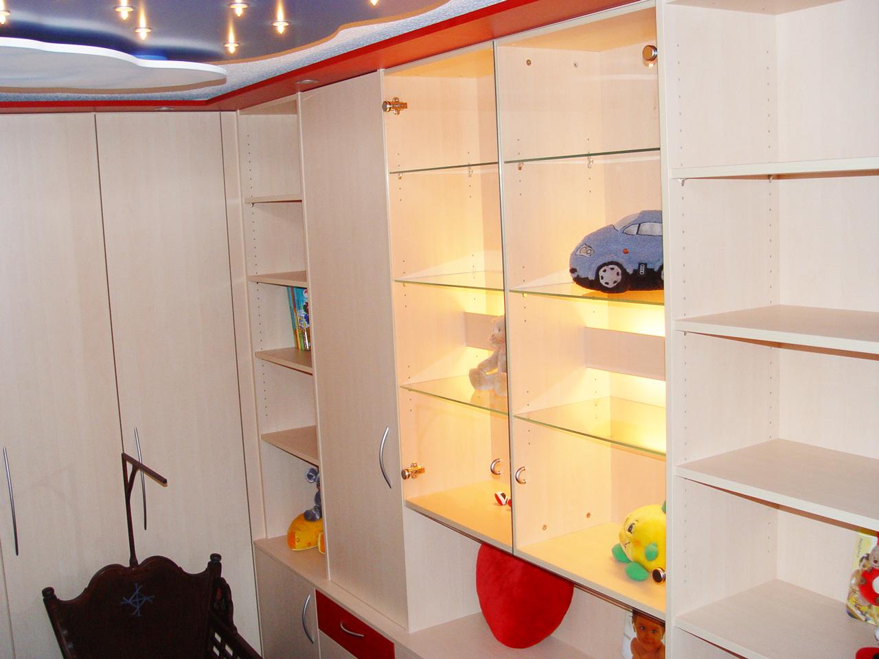 D11-Kinderzimmer-in-Dekor-Ahorn